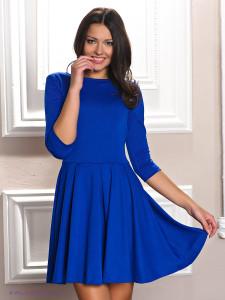 Повседневные платья, возможно, многие думают, что это платья которые должны выглядеть как какие-то тряпки. Но это неверное мнение, просто так сложилось, что мнение, про повседневные платья у нас почему-то не очень высокого уровня. Но на самом деле повседневным платьями называется очень удобная одежда, которая не стесняет движения и может вполне стать заменителем джинсов или юбки. Как и любую другую женскую одежду, повседневные платья оптом http://modnasprava.com.ua/catalog/platya/ необходимо выбирать, выходя из стиля, любая женщина должна первым делом определится с цветовой гаммой, а только потом с видом платье .И можно сказать с уверенностью, что удел такого платья хоть и быть надеваемым каждый день, но это не означает, что оно должно выглядеть плохо. Кстати, возможно, что из-за основного своего параметра, такого как очень большое удобство, это платье займет одно из первых мест в женском гардеробе. Почему не первое . спросите вы. а все просто, невозможно, чтобы у женщины было только одно такое платье, потом и не первое место. При выборе таких платьев необходимо учитывать довольно многие вещи, самой главной из них это фигура женщины. Короткие повседневные платья подходят женщинам с изящной или миниатюрной фигурой, для полных женщин такой вариант категорически не рекомендуется. В таком случае самым обычным и рекомендуемый вариант это длинные платья, но это не означают, что они должны выглядеть на вас бесформенным балахоном, ни в коем случае не допускайте такую ошибку. Любое повседневное платье может быть дополнено поясом, ремнем, эти детали могут придать вам большей грациозности. Но это не означает, что нельзя попробовать что-то более простое, что-то типа греческой тоги или платью без рукавов. Не пробуйте себя чем-то ограничивать, это пойдет только во вред вашему виду. Другой фактор, который необходимо учитывать при выборе повседневного платья это удобство. В этом случае основным фактором будет именно покрой платья. Для каждой женщины удобство может быть разным, глав