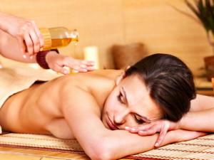 Лучшее масло для эротического массажа