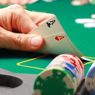 Как правильно играть в покер - комбинации и стратегии